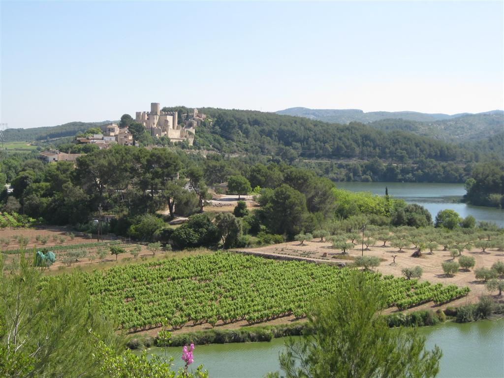Approaching the restored village of Castellet.