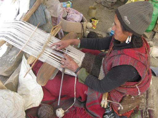 TsoKar Abi-le shows us how to weave a yak wool carpet.
