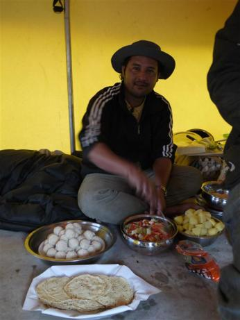 Our maestro of the camping kitchen, Sundar. He definitely should become the next cooking channel series: 'Cooking at no less than 3000m!' I often wish I could import him to SA to start some real Indian Kitchen cooking ..