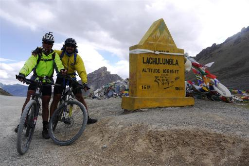 Richard and Carlos at 5160m (Lachalung-la)