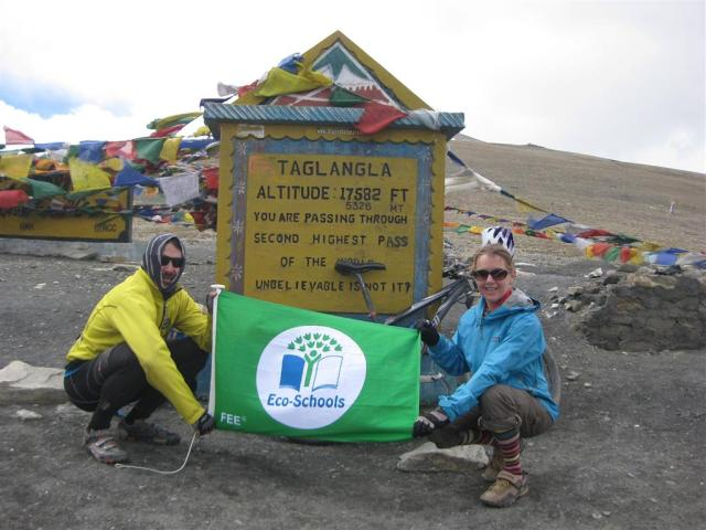 Highest Eco-schools flag in the world (at that time)on the Taglang-la pass (5300m).