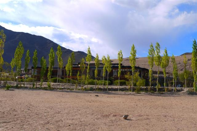 Secmol campus is situated at an altitude of around 3400m. It was built using locally available materials using the best of traditional Ladakhi architecture and enhancing it with accessible and affordable technologies wherever possible.
