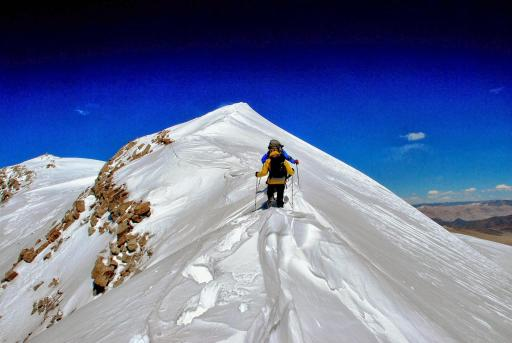 The final cornice to 6622m...